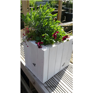 Old for New - Shabby Chic Collection: Wooden planter with bee motif and flowers